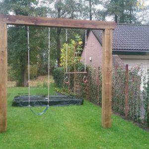 Schommel en trampoline